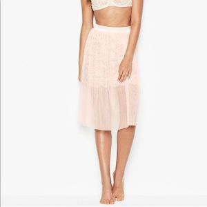 VS S, L Tulle & Floral Lace Skirt